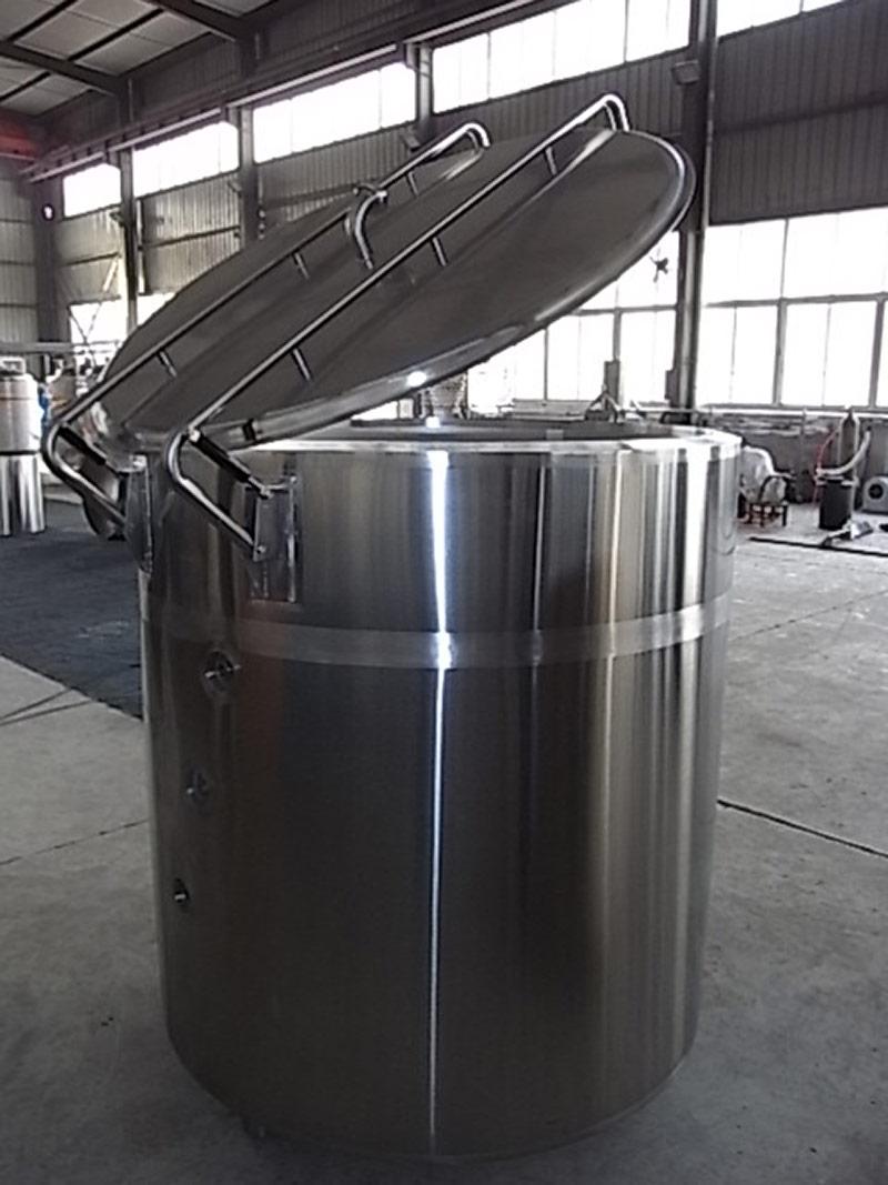 オープン式発酵タンク